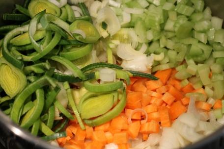 Fijn gesneden groente kort bakken